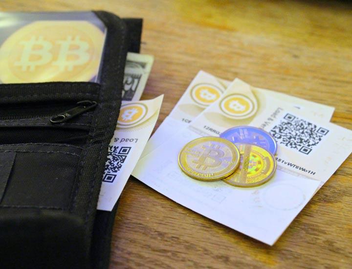 Бумажный кошелек